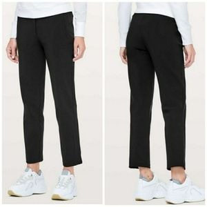 Lululemon On The Move Pant in Black